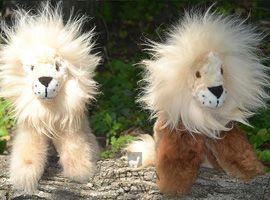 BABY Alpaca Fur - Sitting Lion Ornament